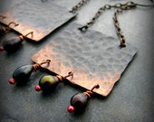 Hammered oxidized copper freshwater pearls long bohemian and rustic earrings - Trespasser