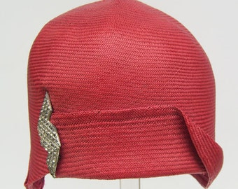 Vintage1920s Red Panama Flapper Womans Cloche Hat