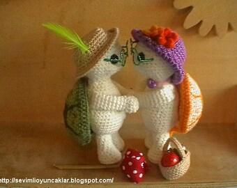 Crocheted Valentine Turtles