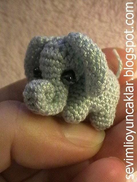 Mini Amigurumi Crochet Patterns Free : Amigurumi 0.8 inc Miniature Elephant Pattern