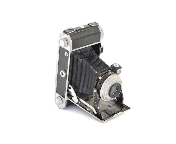 Shoot - Vintage Camera - Vintage 1948 Roamer 1 Camera