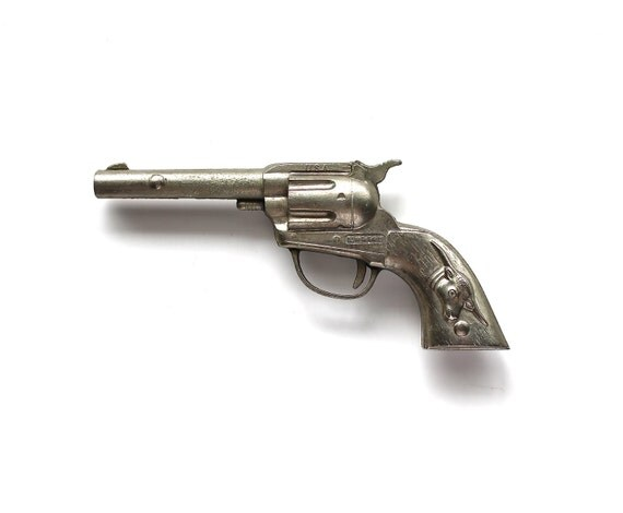 Yeehaw - Vintage Metal Hubley Tex Single Shot Cap Gun