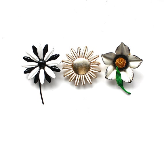 Blooming in Black and White - Vintage Set of 3 Enamel Flower Brooches