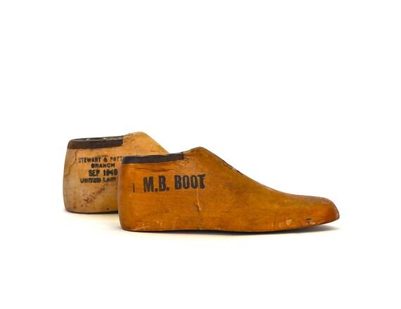 First Steps - Antique Children's Wooden Shoe Cobbler Form