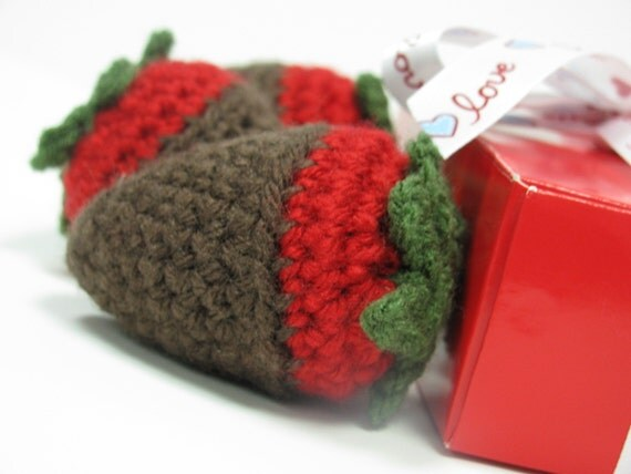 Chocolate Covered Strawberries - Boxed Valentine - Set of 3 - Play Food