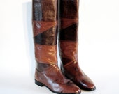 NOS Joan & David Brown Reptile Animal Textured Patchwork Leather Luxury Flat Knee Tall Riding Boots 8.5, 9. Made In Italy.