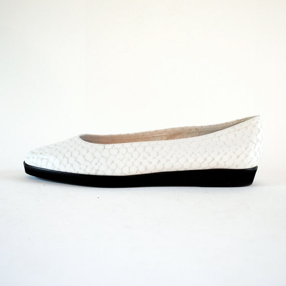 NOS Snakeskin Embossed White Leather Mini Flatform Loafers 8, 8.5. Made In Italy.