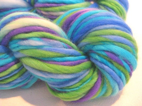Bulky Handspun Yarn in ROCKY MOUNTAIN HIGH, thick and thin, hand dyed merino wool