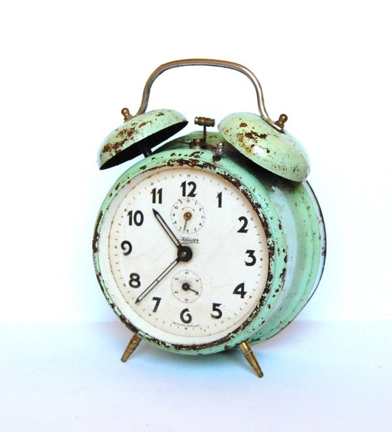 Vintage rusty alarm clock from Germany in teal color (not working) Kaiser