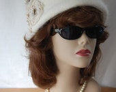 The Jackie O inspired Pill Box Hat in Cream