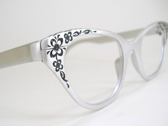 Vintage Tura Silver Cat Eye Eyeglasses Eye Wear Frame