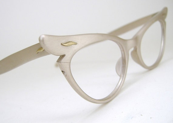 Vintage 50s Winged Womens Cat Eye Eyeglasses Frame