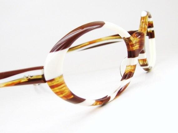 Vintage Wild 60s Marbled Oval Cat Eye Eyeglasses or Sunglasses Frame France