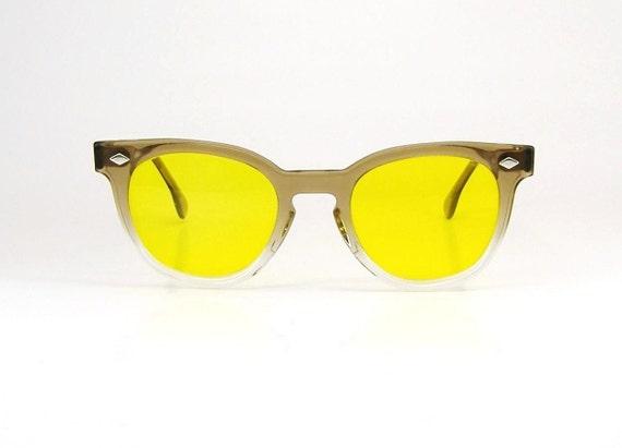 Vintage 50s Mens Horn Rim Sunglasses Nerd Geek Frame Yellow Lens