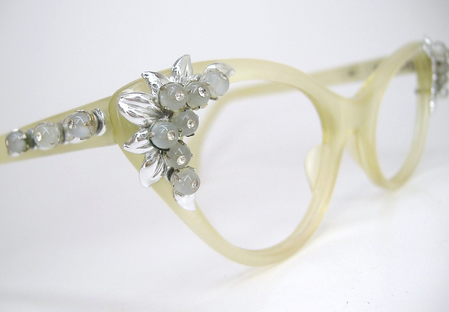 Eyeglass Frames With Pearls : Vintage Schiaparelli Cat Eye Eyeglasses Pearl Frame Mint