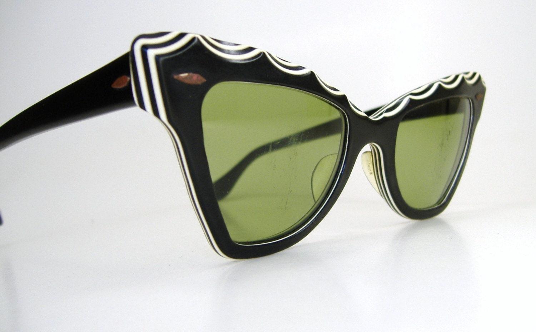 vintage b l ray ban 1950s cat eye sunglasses. Black Bedroom Furniture Sets. Home Design Ideas