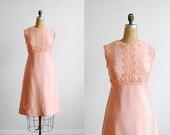 vintage 60's peach lace applique sleeveless cocktail dress