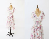 vintage wrap dress. 1970s dress. floral dress. small medium