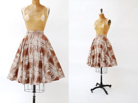 1950s skirt. circle. sketch print cotton. small