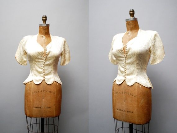 vintage 1940s blouse.  ivory brocade. xs