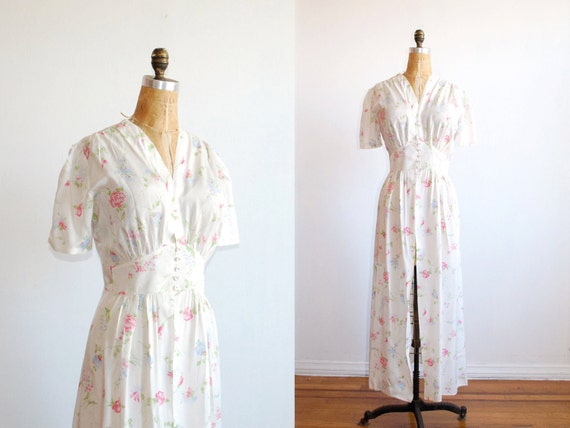 vintage 1940s lingerie. 40s robe. large. nightgown. rayon floral