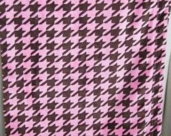 PInk and brown houndstooth minky baby blanket