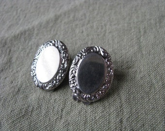 Marino vintage silver tone oval clip back clip on earrings