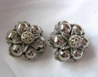 Vintage silver tone floral bead clip on clip back earrings by Kramer