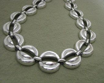 Silver tone vintage circle link choker length necklace