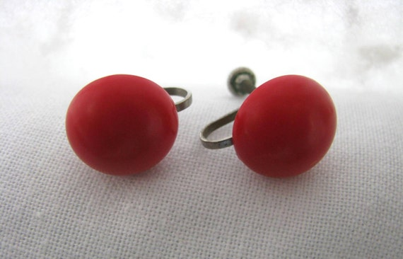 Red round screw back earrings