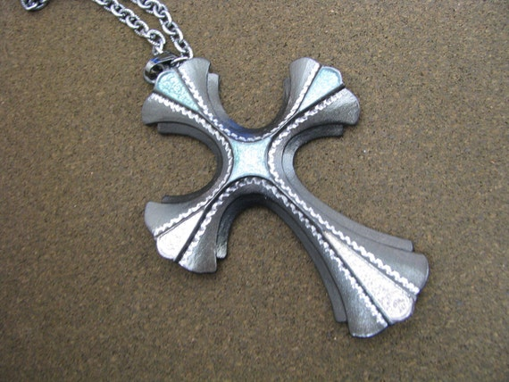 Stunning Gunmetal with Green 18th Century Cross 1976 Ltd Edition by Sarah Coventry. Vintage cross necklace