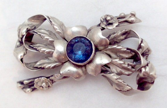 Vintage Hobe Sterling Ribbon Bow Blue Topaz Pin