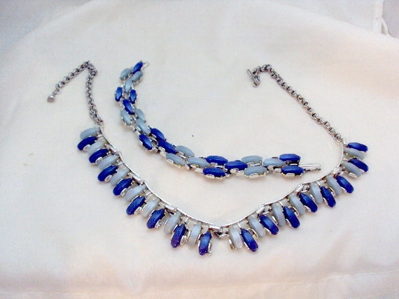 50's Vintage Shades of Blue Thermoset Necklace and Bracelet