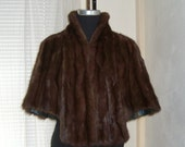 Gorgeous 1940's Fur Stole Capelet with Collar and Pockets