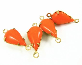 4 - Vintage Pear Shaped Stones in 2 Rings Closed Back Brass Prong Settings - Tangerine Orange - 13x8mm