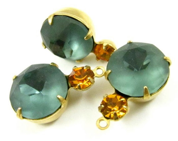 2 - 18x11mm Vintage Round Swarovski Crystal Rhinestones in 1 Ring Two Stones Brass Prong Settings  -  Topaz and Blue Grey .