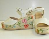 Reserved for Sonja      Vintage 1970's Floral & Straw Platforms