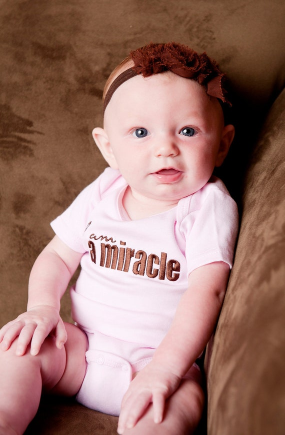 0 to 3 Month I am a Miracle Baby Pink Short-Sleeved Bodysuit, Adoption Apparel, Adoption Gifts, Baby Shower Gifts, Push Present