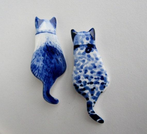 Handpainted Delft porcelain Brooch - Cat