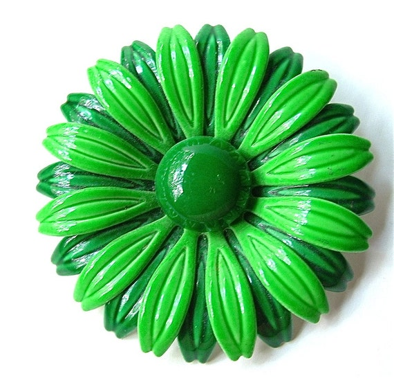 RESERVED. Vintage Brooch Big Bright Happy Green Daisy Floral Liven A Gray Winter Day Pin ((FREE Shipping USA))