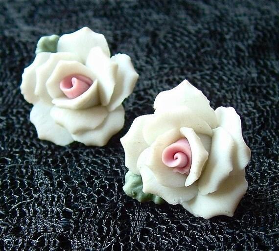 Vintage Rose Earrings Little Light Pink Roses Like Flowers on a Cake Pierced Earrings ((Free Shipping USA))