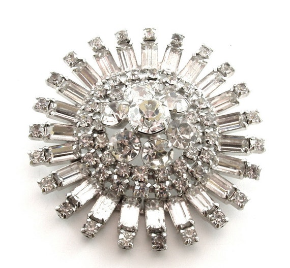 SALE Rhinestone Sunburst Brooch Vintage Jewelry for Repurpose Repair Recycle (Free Shipping USA)