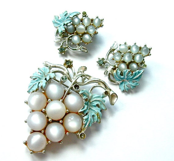 Vintage Jewelry Set Moonglow Grape Cluster Sky Blue FREE Domestic Shipping