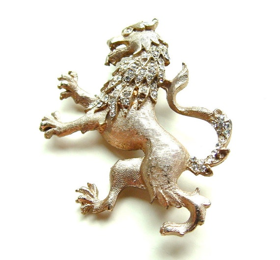 Vintage Lion Brooch Rhinestone Prep Jewelry Coat of Arms, FREE Domestic Shipping