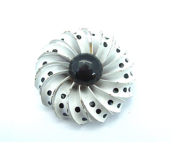 SALE Vintage Flower Brooch Mod Enamel Costume Jewelry Polka Dot Pinwheel Black White Pin, FREE Domestic Shipping