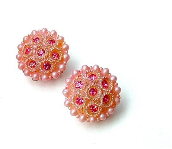 FREE US SHIPPING Vintage Earrings Pink Rhinestone Plastic Girlie Clip On Earrings