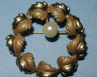 Vintage Gold Filled Wreath Pin with Genuine Pearl Accent