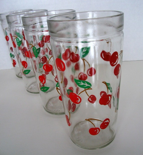 Vintage set of 4 drinking glasses with cherries by vintagemelody