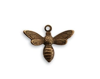 4 Pieces of 13mm x 17mm Busy Bee brass Charms  by VINTAJ - Natural Brass  DP120