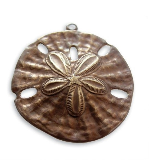 SALE: 1 piece  brass Sand Dollar Pendant by VINTAJ -  P80